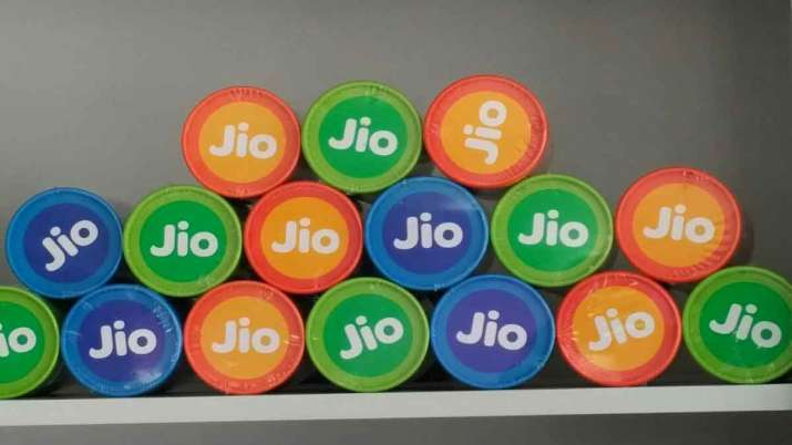 Jio waives post paid security fee to attract customers from rival networks- India TV Paisa