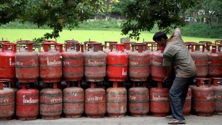 No subsidy will be available on LPG cylinders, no change in prices for October- India TV Paisa