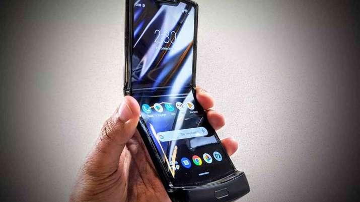 Motorola Razr 5G India Launch foldable phone costs Rs 124,999- India TV Paisa