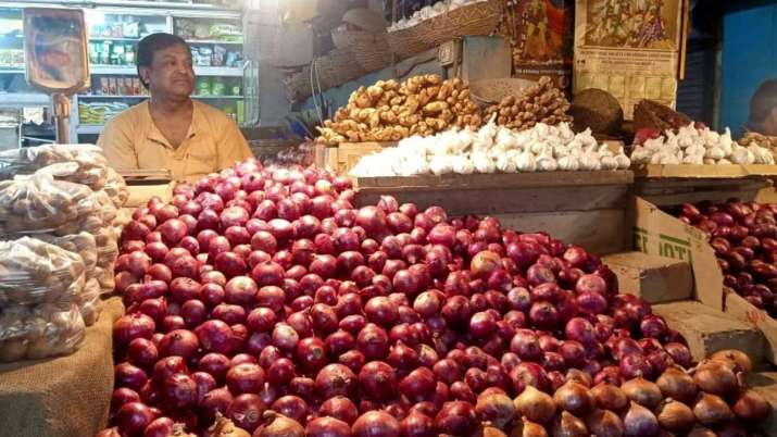 why onion price surged, Kharif onion output likely to drop 14pc - India TV Paisa