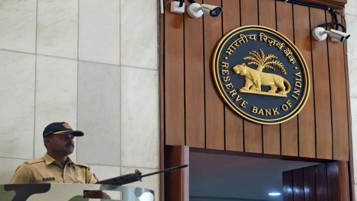 RBI says GDP likely to contract 9.5 pc in FY'21, know 13 main points of Monetary Policy Committee- India TV Paisa