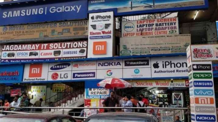 Samsung now top smartphone seller in India, globally- India TV Paisa