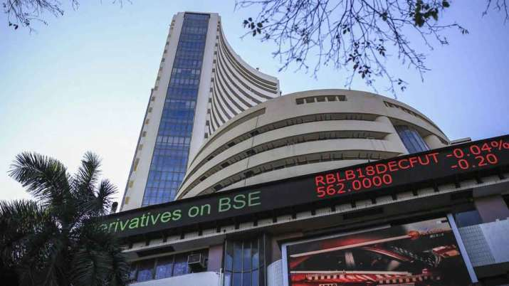 Sensex hits 43,000 for first time, Nifty nears 12,600 - India TV Paisa