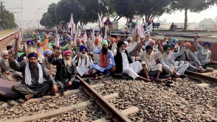 किसान नेताओंं से...- India TV Paisa