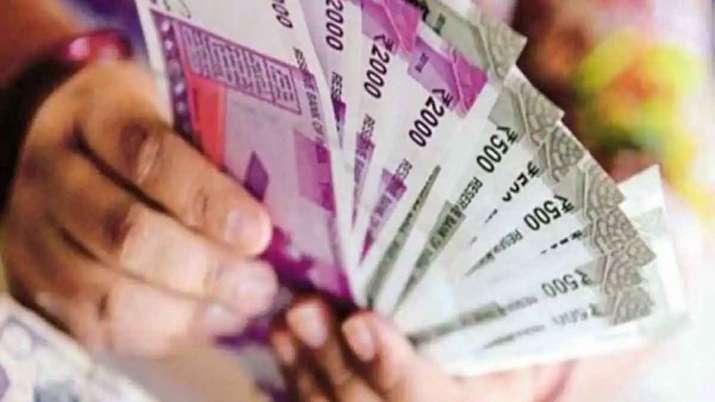 Fact Check: PM Funds से मोदी सरकार हर परिवार को दे रही है 10,000 रुपये, जानिए क्या है सच्चाई- India TV Paisa