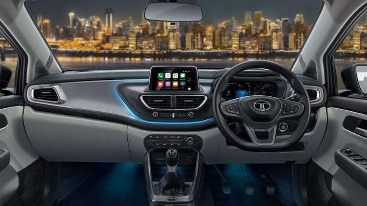 Tata Motors drives in new Altroz trim at Rs 6.6 lakh- India TV Paisa