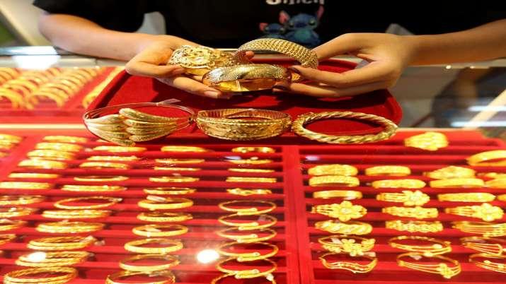 Gold Jumps On US Stimulus Deal Cheer, Virus Lockdowns- India TV Paisa