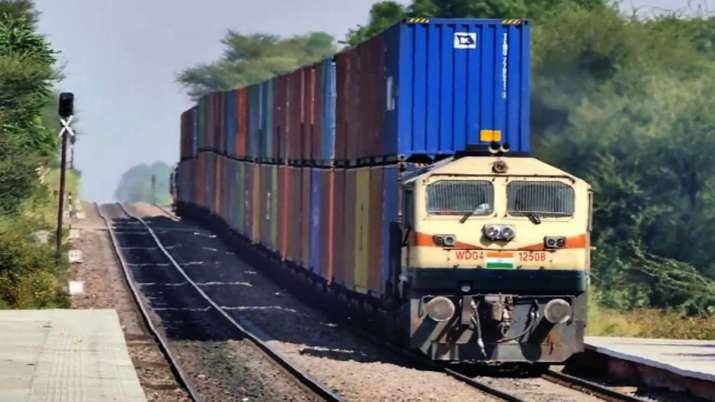 रेलवे के द्वारा...- India TV Paisa