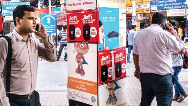 Vodafone Idea hikes prices of two postpaid plans- India TV Paisa