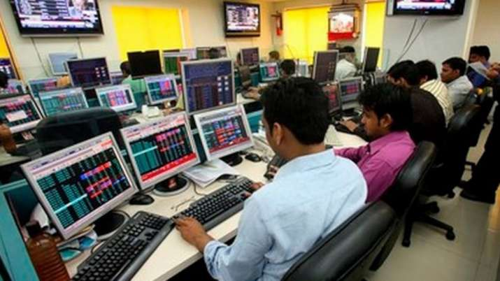 Sensex jumps over 250 pts in early trade; Nifty tops 13,550- India TV Paisa