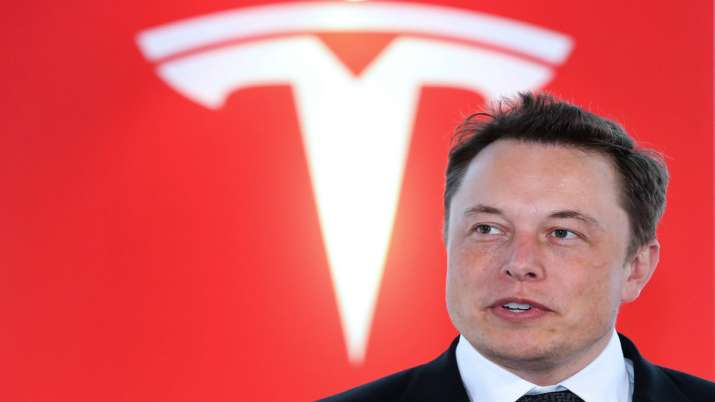 Elon Musk says had once reached out to Apple for acquiring Tesla- India TV Paisa
