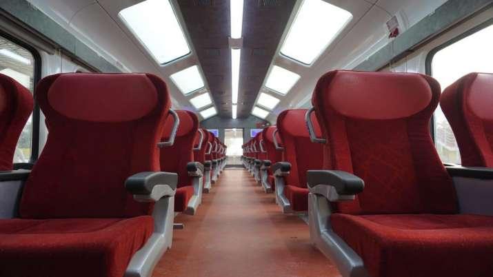 पीएम मोदी रविवार को 8 ट्रेनों को दिखाएंगे हरी झंडी, जानिए रूट-टाइमिंग समेत पूरी डिटेल