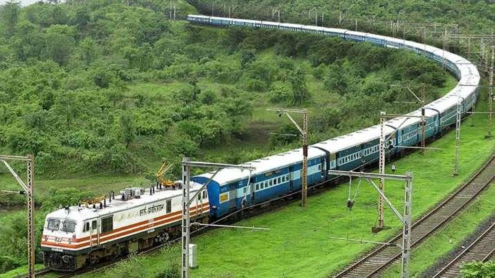 बजट में उत्तर पश्चिम रेलवे को मिला 4672.55 करोड़ रुपए का आवंटन- India TV Paisa