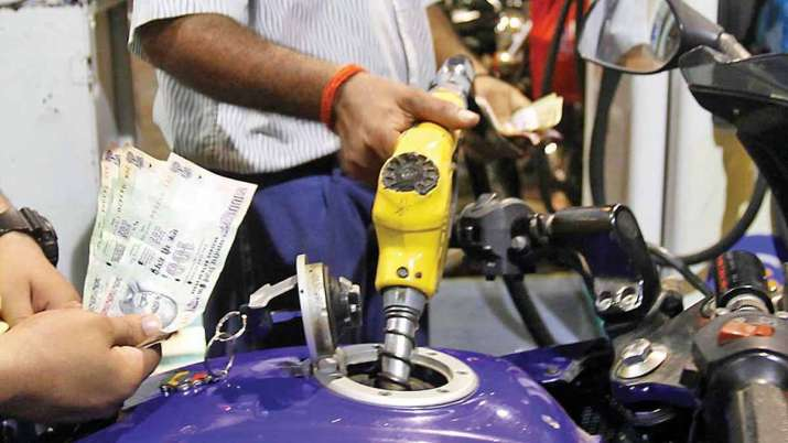 Petrol and diesel prices remain steady ahead of Budget 2021 day- India TV Paisa
