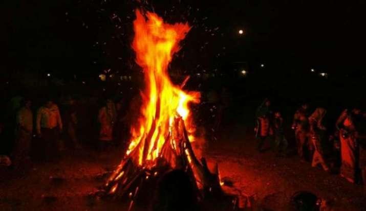 Holika Dahan 2021: जानिए होलिका दहन का शुभ मुहूर्त, पूजा विधि और होली पूजन की संपूर्ण सामग्री