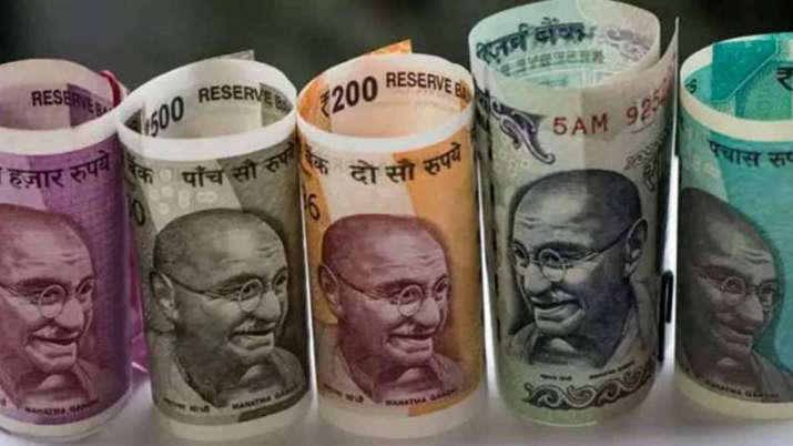 Rupee against US dollar settles 9 paise lower at 72.55 - India TV Paisa