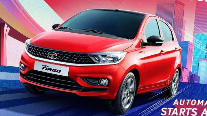 टाटा मोटर्स ने बताया कि अभी तक कंपनी ने घरेलू बाजार में टियागो हैचबैग की 3.25 इकाईयों की बिक्री की ह- India TV Paisa