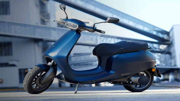 Ola showcases 1st electric scooter, aims 1 cr bikes by 2022- India TV Paisa