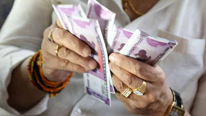 Govt defers labour codes implementation; employees take home pay to remain same for now- India TV Paisa