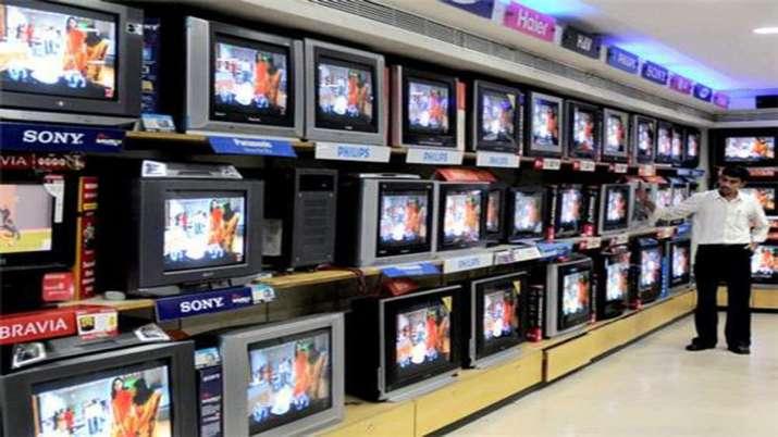 1 अप्रैल से पहले खरीद लिजिए अपना मनपसंद TV, 200 प्रतिशत बढ़ने वाले है दाम- India TV Paisa