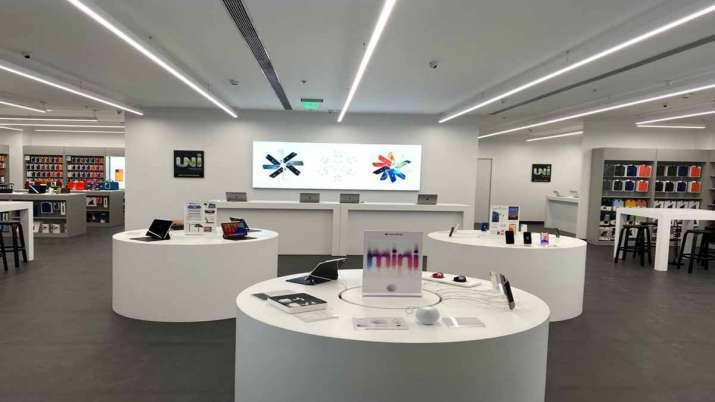 Unicorn opens new Apple store in NCR; offers discounts on iPhone 11, iPhone 12- India TV Paisa