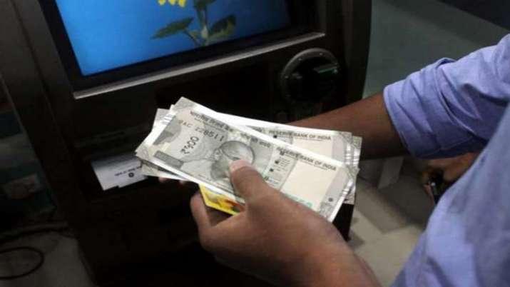 चेतावनी! ATM इस्तेमाल करने वाले हो जाएं सावधान, सुरक्षा को लेकर बड़ी खबर- India TV Paisa