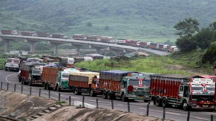 घबराहट में खरीदारी नहीं करें लोग, जरूरी वस्तुओं की उपलब्धता सुनिश्चित करें राज्य: केन्द्र सरकार- India TV Paisa