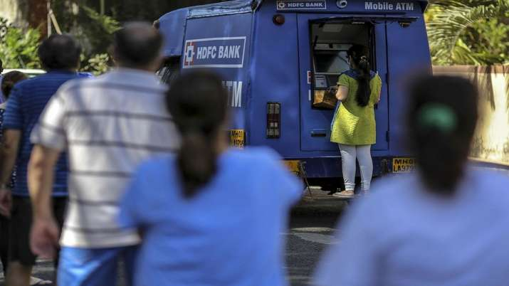 HDFC Bank deploys mobile ATMs to help people amid lockdowns- India TV Paisa