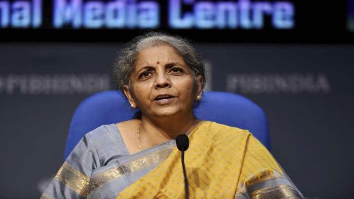 खाड़ी देशों में काम करने वाले भारतीय कामगारों की वेतन आय पर कर छूट जारी: निर्मला सीतारमण- India TV Paisa