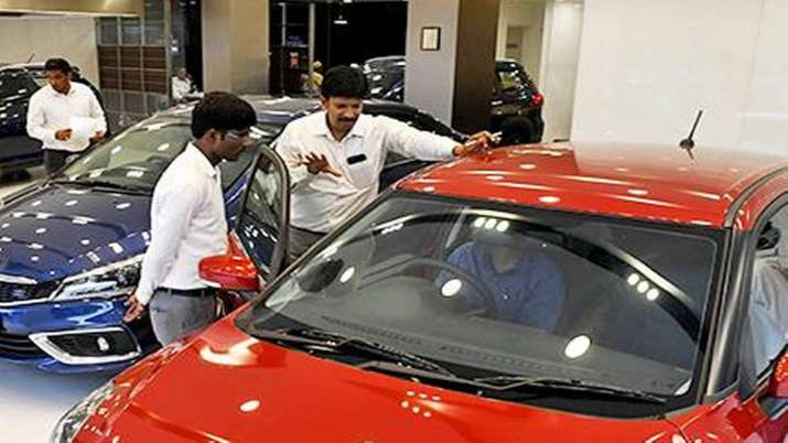Passenger vehicle sales in India decline by over 2 pc in 2020-21, says SIAM- India TV Paisa