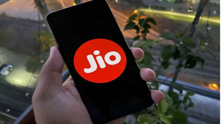 Jio brings good news, partenership with itel for superior mobile experience- India TV Paisa