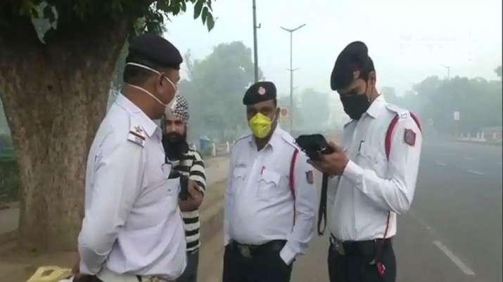 सावधान! ट्रैफिक पुलिस करेगी बहुत बड़ी कार्रवाई, कार चालक भुलकर भी ना करें यह गलती- India TV Paisa