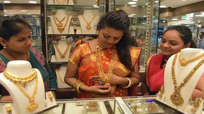 Akshaya Tritiya begins on sombre note; jewellers expect 10-15 pc sales- India TV Paisa