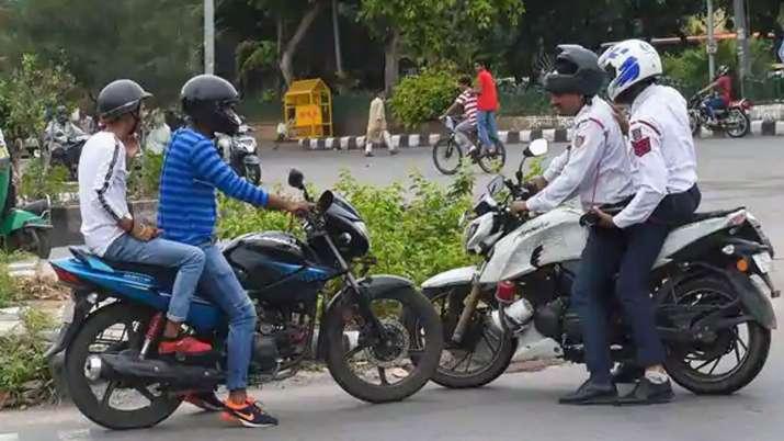 खुशखबरी! कार, मोटरसाईकिल का चालान कटने पर नहीं देने होंगे पैसे! देखें नया ट्रैफिक नियम- India TV Paisa