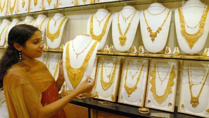 Gold Rate: सोने के दाम पहुंचे 50000 के पार, जानें नए 24 कैरेट और 22 कैरेट के रेट- India TV Paisa