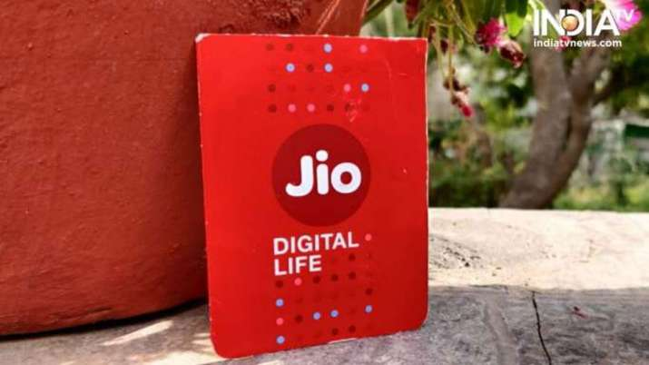 Jio ने लॉन्च किया 365...- India TV Paisa