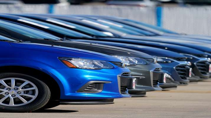 Auto retail sales drop 55 per cent in May as COVID puts break on vehicle registrations- India TV Paisa