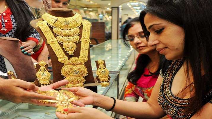 Good news Gold price falls Rs 116  sliver rs 1291 today 2 june citywise rate list- India TV Paisa
