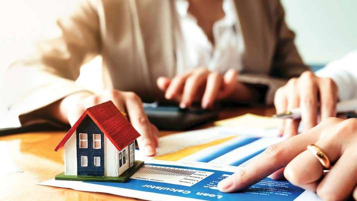 home buyers benefited, Low home loan interest rate regime to continue- India TV Paisa