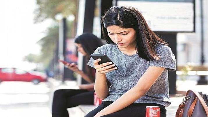 Airtel vs Jio vs Vi vs BSNL 1.5GB and 2GB daily data plans under Rs 300- India TV Paisa