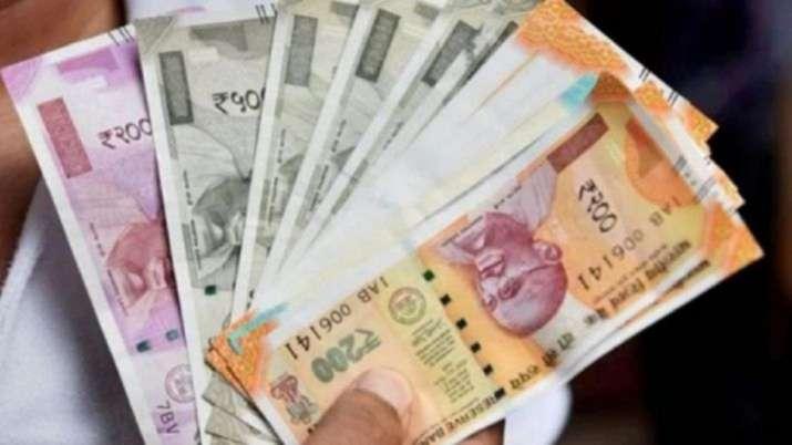 मंत्रालय सरकार का न्यूनतम वेतन तय करने में देरी का कोई इरादा नहीं: श्रम मंत्रालय- India TV Paisa