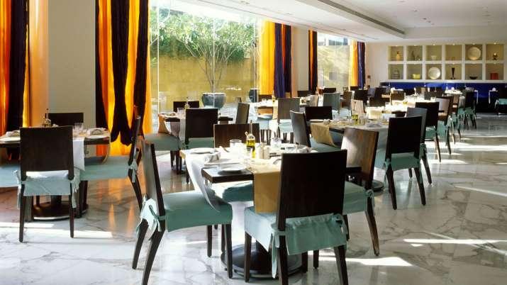 मुंबई में रेस्तरांओं को दिशानिर्देशों के तहत परिचालन की अनुमति दी जाए, HRAI की राज्य सरकार से अपील- India TV Paisa