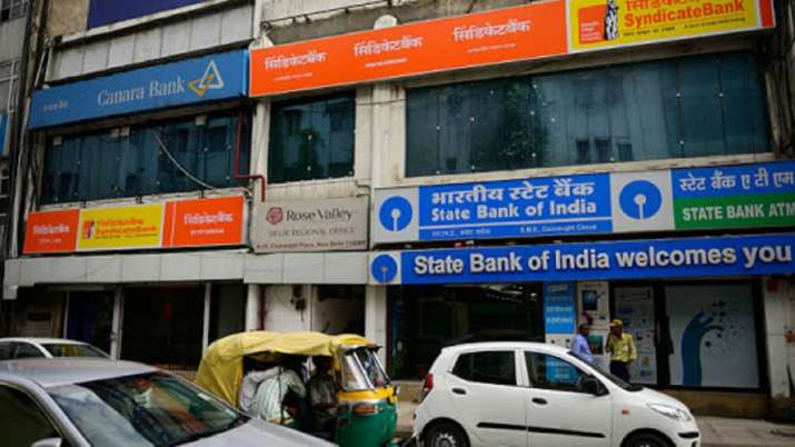 Niti Aayog submits names of PSU banks to be privatised to govt- India TV Paisa