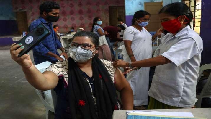दिल्ली के 2 अस्पतालों...- India TV Paisa