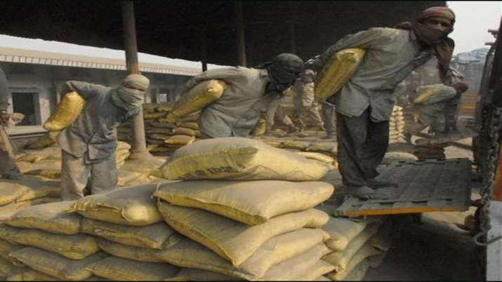 Kumar Mangalam Birla says Prospects for cement industry in FY22 look bright - India TV Paisa