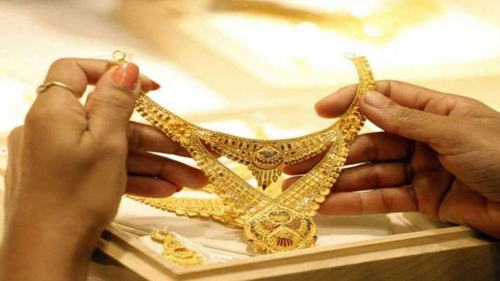 अप्रैल-जून तिमाही में सोने का आयात कई गुना बढ़कर 7.9 अरब डॉलर- India TV Paisa
