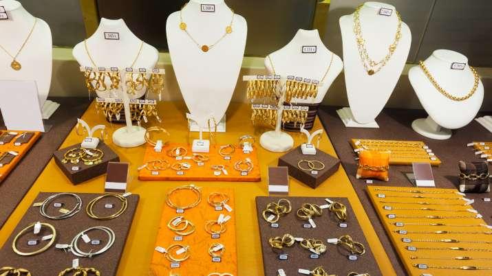 gold jewellery Mandatory hallmarking withdrawn news is fake- India TV Paisa