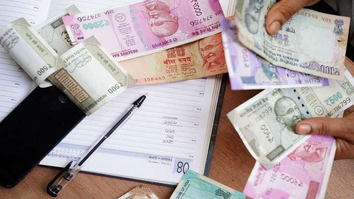 मुद्रा दबाव: रुपया और कमजोर होने का अंदेशा- India TV Paisa