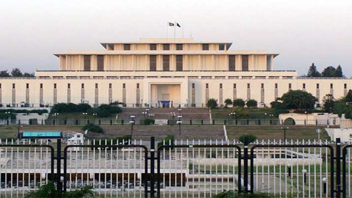 Pakistan save PKR 32 million annual through president's house running on solar energy - India TV Paisa