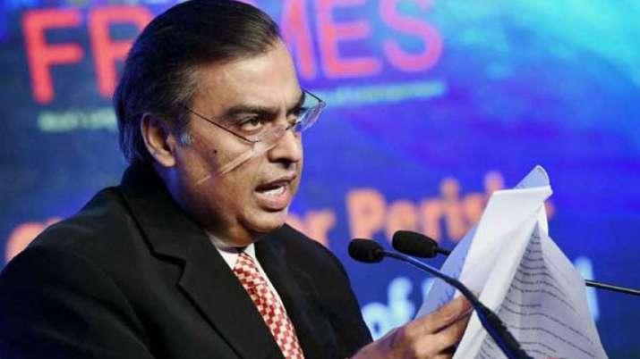 जून तिमाही में रिलायंस इंडस्ट्रीज का शुद्ध लाभ 7 फीसदी घटा, रिलायंस जियो का 45 फीसदी बढ़ा- India TV Paisa